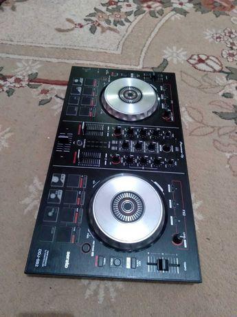 Pioneer DJ, DJ Comtroller DDJ-SB2