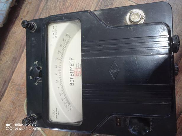 Вольтметр  д523     1965 года. Для измерения постоянного тока