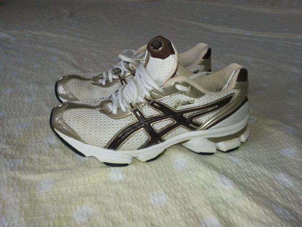 Adidasi Asics fără defect