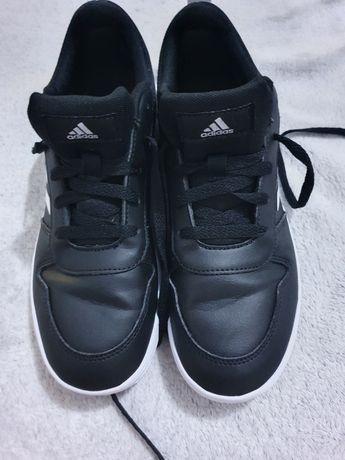 Pantofi sport Adidas mărimea 37 1/2