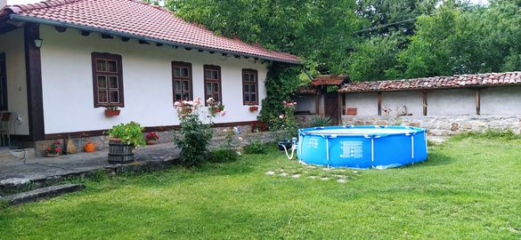 """Къща за гости в Елена """"Гнездото на Соколите"""" -с.Велковци"""
