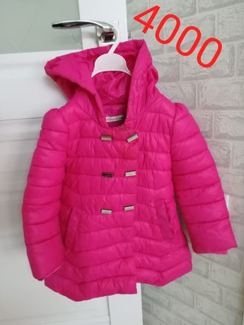 Продам куртку осеннюю , размер 5-6 лет