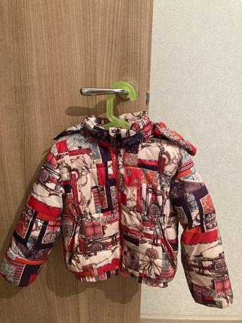 Продам куртку детскую на девочку