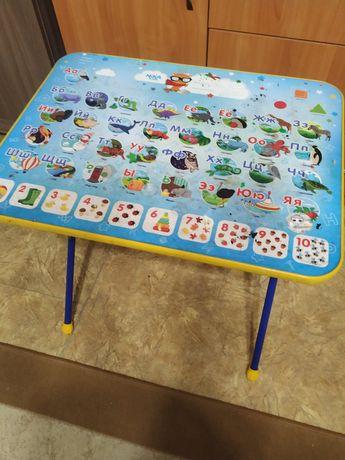 Продам детский столик удобно, без стульев