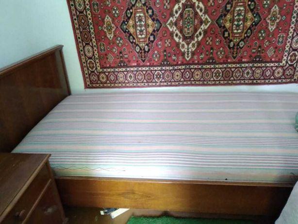 Кровать (Румыния) б/у на дачу