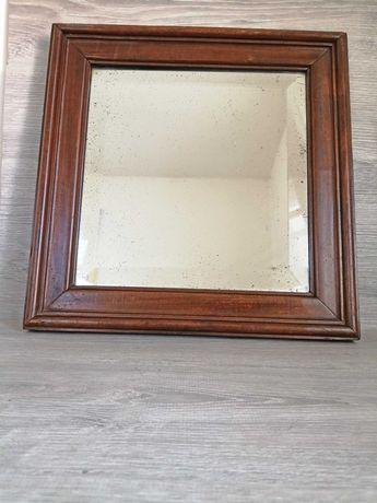 Старо дървено огледало с фасетирано стъкло