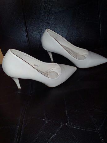 Обувки Тенденс №37