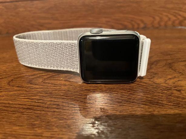 Продам Apple Watch series 3 silver 38 mm