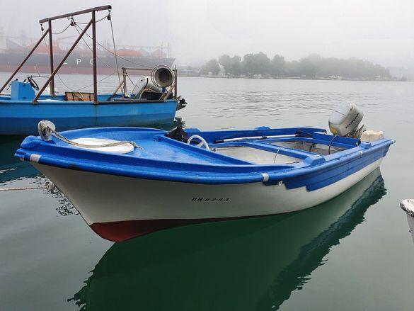 Лодка гръцки тип 5 м.на 1,80 м и лодка Царево