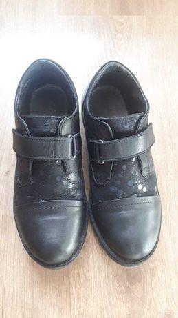 Туфли полуботинки для девочки 32 размер