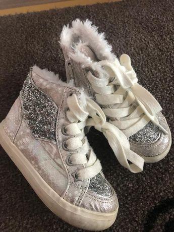 2 perechi papucei NexT