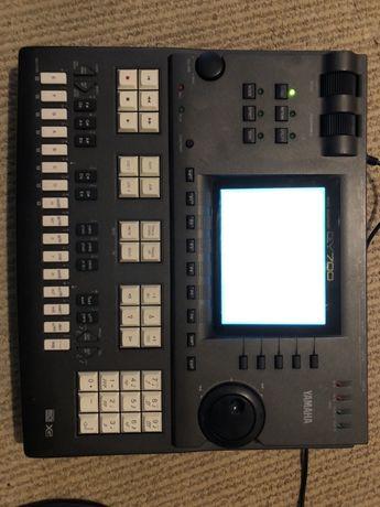 Sequencer Yamaha qy700 (nu korg roland akai)