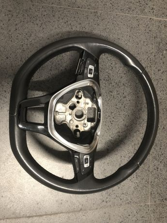 Volan Original Volkswagen. Compatibil cu modelel Golf, Passat etc.