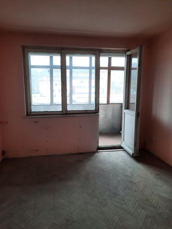 Apartament 3 camere etaj 4