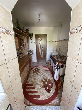 Vand apartament cu 3 camere