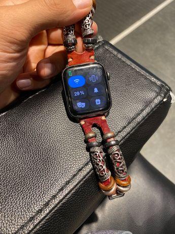 Продам Apple Watch писать вот сап