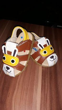 Sandale de copii cu luminițe