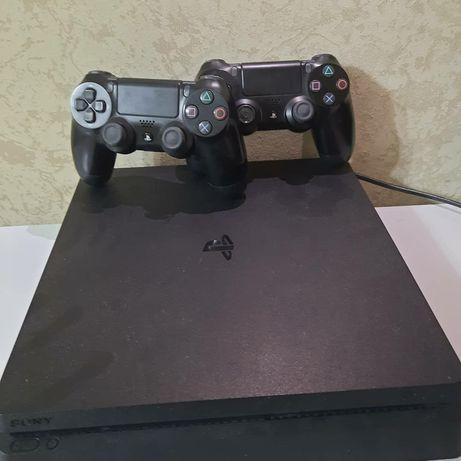 Продаю Playstation 4.