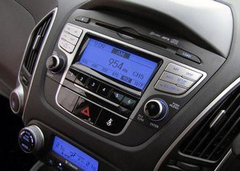 MP3 Radio IX35 original + panoul de deasupra lui