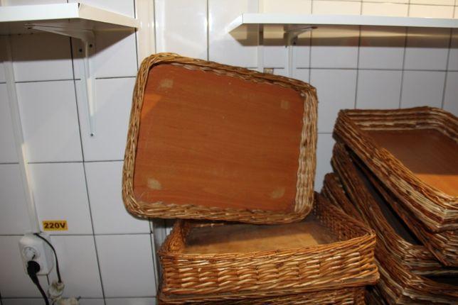 tava din lemn cu impletitura