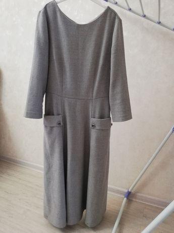 Продам платье состояние отличное