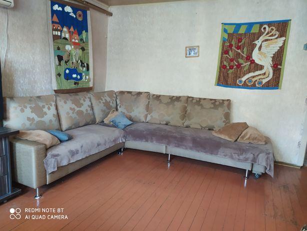 Продам румынский диван-уголок в гостинную