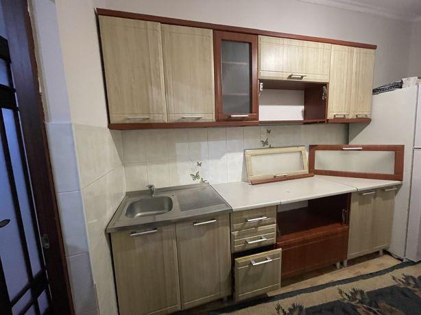 кухонный гарнитур кухонные полки кухонные шкафчики