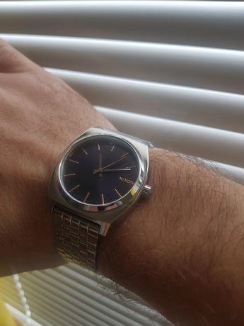NIXON , часовник