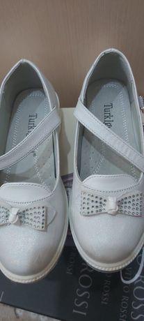 Продаю туфли детские