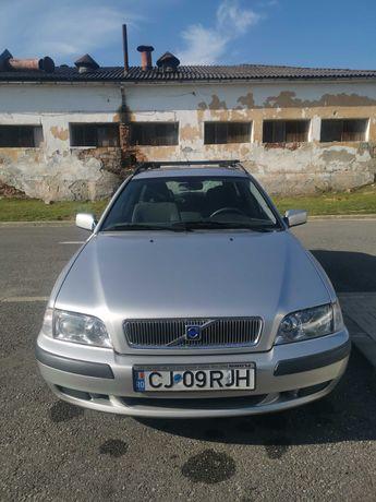 autoturism,VOLVO V 40 1,9D pe motorina,an 2002 consum 4-5l/100km