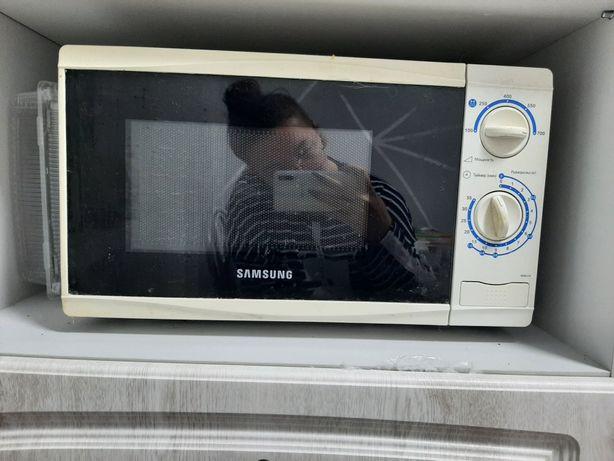 Микроволновка Samsung на запчасти. Самовывоз
