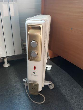 Масляный радиатор , обогреватель новый!