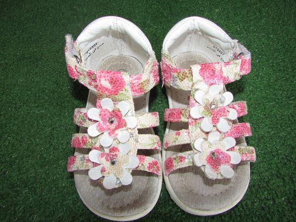 Детски сандалки 21