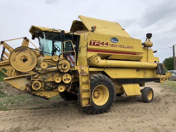 Combina New Holland Tf 44