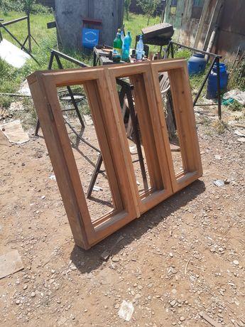 Geamuri +uși  din lemn rustic