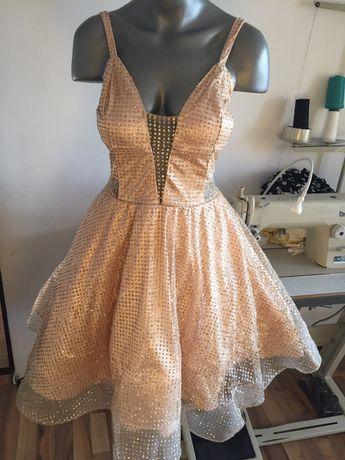 Vind rochie noua