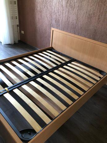 Спальный гарнитур. Кровать и шкаф