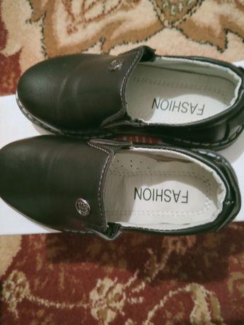 Срочно продам детский туфли,размер 27