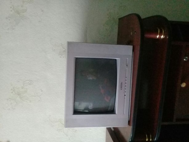 """Телевизор """"Прима""""  с подставкой."""