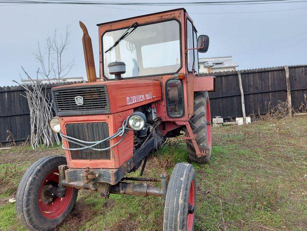 vand tractor ulb u650, plug, disc, semanatoare porumb si cereale, met