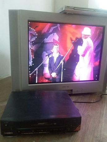 Телевизор Sony, диагональ 72 см