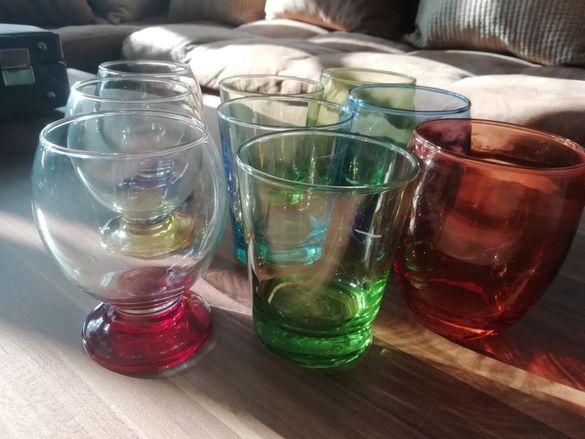 Цветни чаши за вода