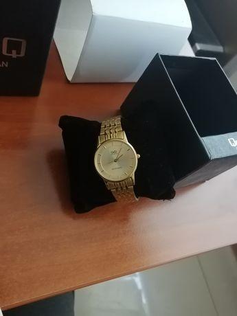Часы новые отличные