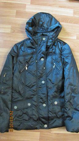 куртка женская приталенная по фигуре короткая утепленная