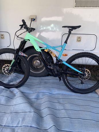 Ebike, Bicicleta electrica Specialized turbo levo kenevo