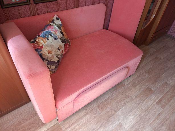 Продам детскую диван кровать.  В идеальном состоянии.