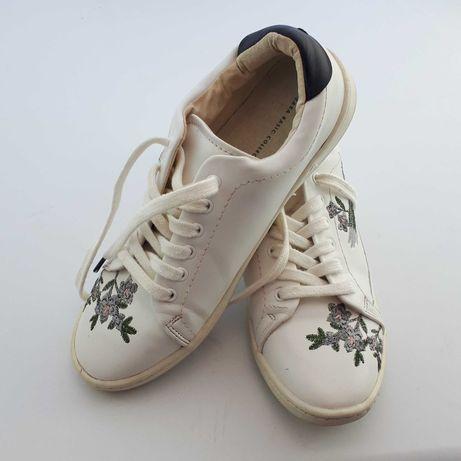 Pantofi brodați Zara, nr 36