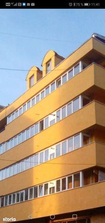 Apartament 3 camere decomandat str. S. Halita, 63000 EURO
