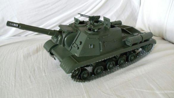 Макет на танк ИСУ 152