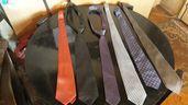 Продавам вратовръзки различни марки